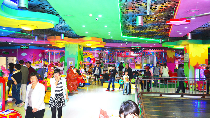 What is the current situation of China's amusement industry?